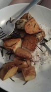 leckere Rosmarin-Kartoffeln mit Zitronen-JogurtDip